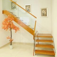 金优维梯业实木楼梯书房楼梯装修复式阁楼楼梯定制 咨询客服 咨询客服 付款方式:定金