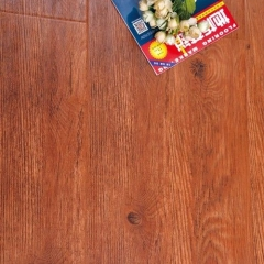 圣泰地板奢华雅致系列强化复合地板圣泰地板3002(西西里橡木) 1220×172×12mm