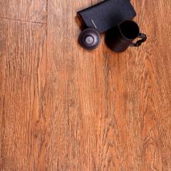 圣泰地板奢华雅致系列强化复合地板圣泰地板 1220×172×12mm