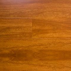 派宸地板经典亮光系列金枣直纹强化地板PC835 经典亮光系列